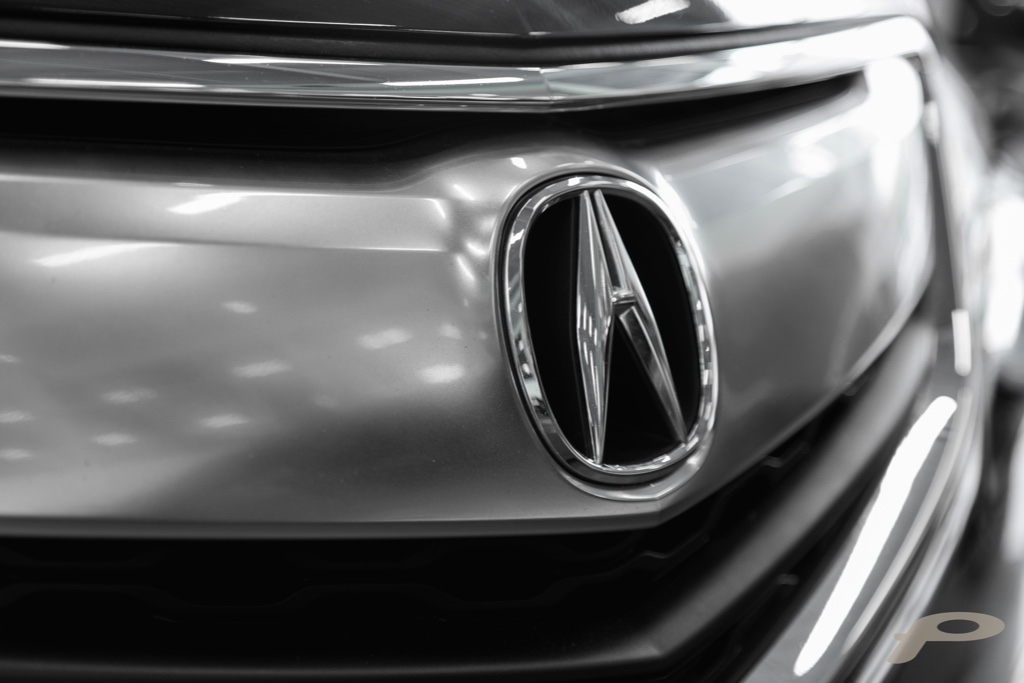 Acura badge