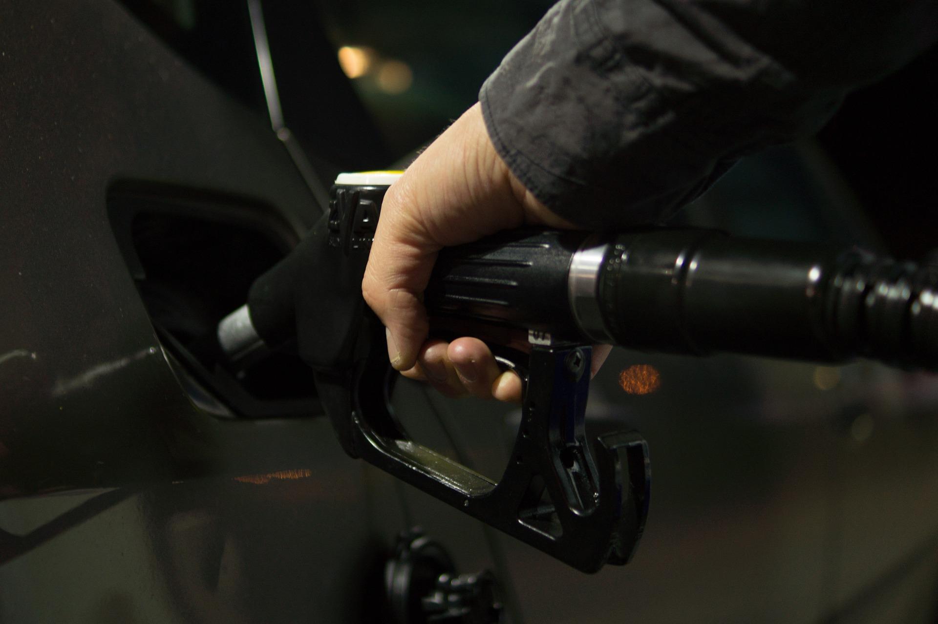 petrol-996617_1920